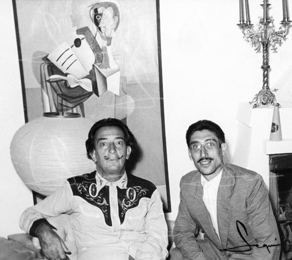 Amb Salvador Dalí a casa seva. 1960